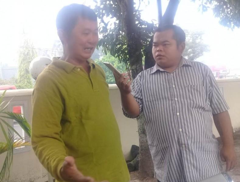 Korban saat menceritakan kejadian yang dialaminya kepada awak media Kalteng Ekspres.com Rabu (2/10/2019).