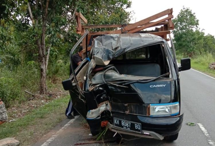 Mobil pikap saat ringset berat seusai kejadian Jumat (4/10/2019).