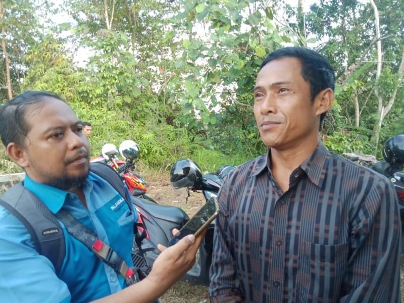 Anggota DPRD Mura Tafruji saat memberikan keterangan kepada awak media, Kamis (17/10/2019).