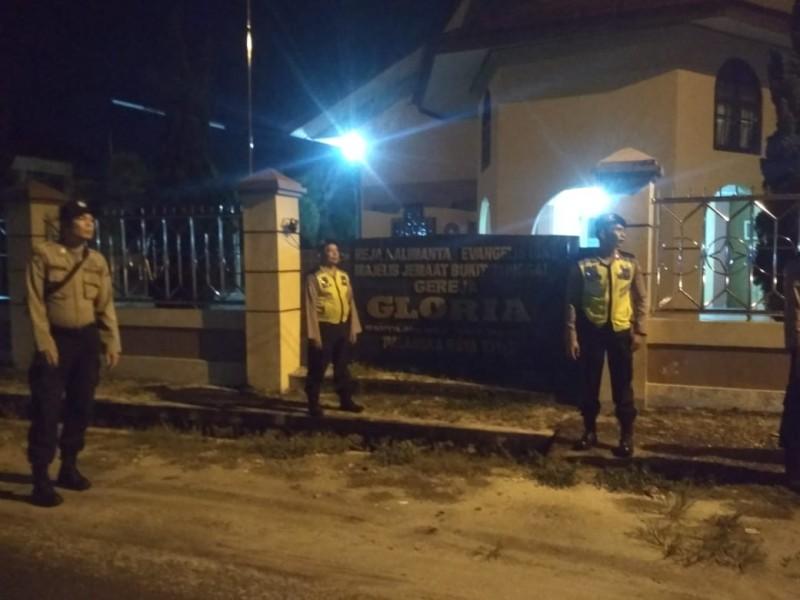 Anggota Polres Palangka Raya saat menggelar giat patroli keamanan di tempat ibadah Sabtu (19/10/2019).