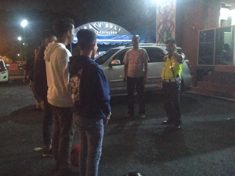 Empat pebali saat diamankan di Kantor Satlantas Polres Palangka Raya Sabtu (19/10/2019) malam.