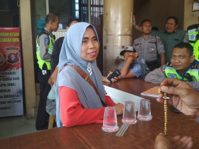 Korban saat melapor ke Pos Lantas kejadian yang dialaminya Selasa (22/10/2019).
