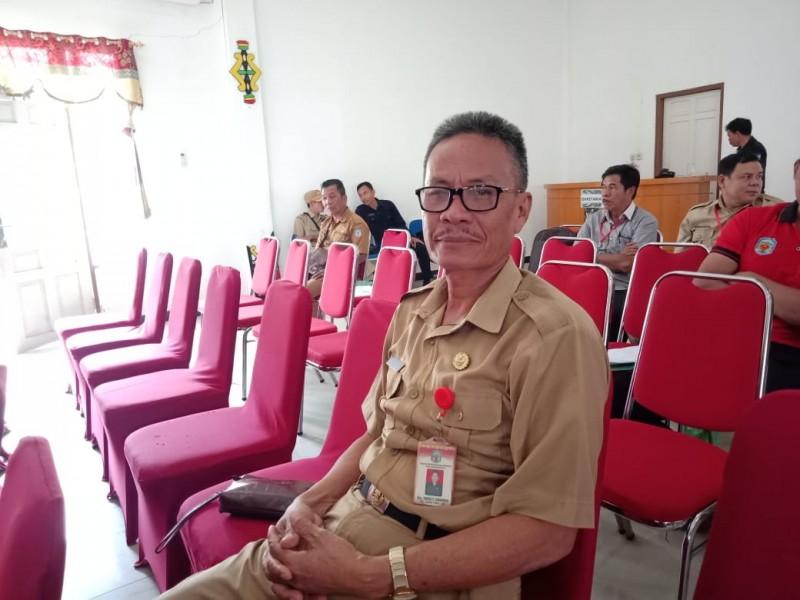 Kepala BKPSDM Mura, Yance P. Sirenden saat memberikan keterangan kepada awak media, Jumat (25/10/2019).