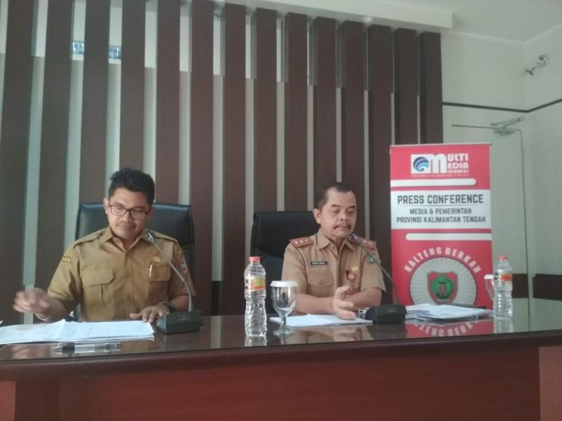 Kepala Bappedalitbang Kalteng Yuren S Bahat saat memberikan keterangan kepada awak media, Senin (28/10/2019).