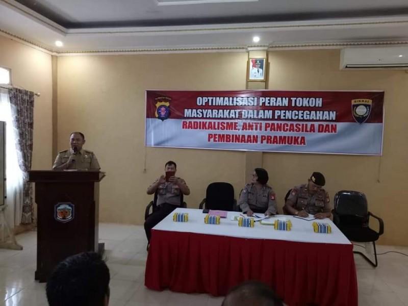 Camat Murung Banjang Jalin saat menyampaikan sambutan pada kegiatan penyuluhan kepada para kades Selasa (5/11/2019).