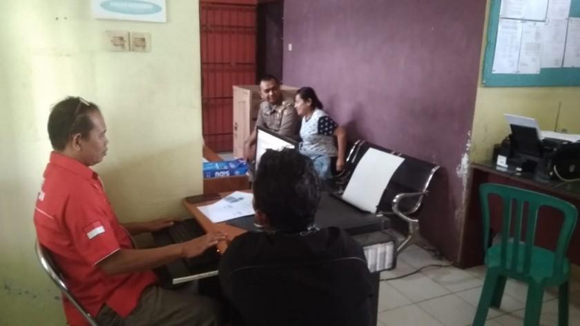 Oknum Ketua RT saat diperiksa penyidik Satpol PP Kobar Rabu (6/11/2019).