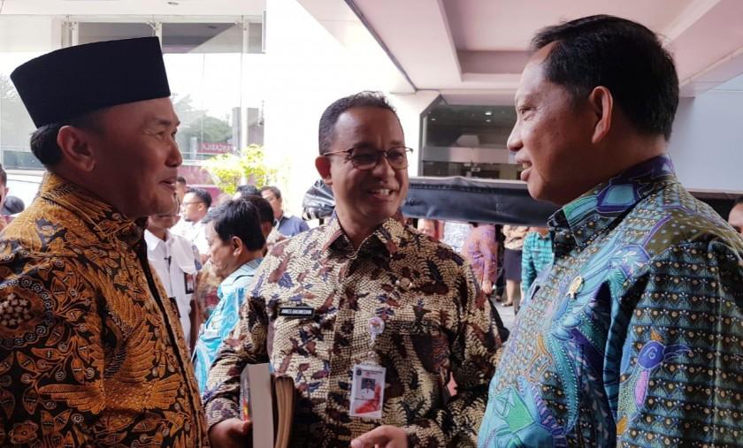 Gubernur Kalteng H Sugianto Sabran saat berbincang-bincang dengan Gubernur Jakarta Anies Baswedan dan Mendagri RI Tito Karnavian Kamis (7/10) 2019).