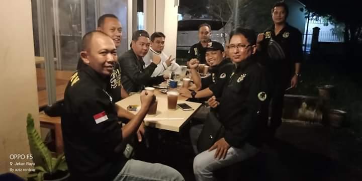 Anggota BRN Palangka Raya saat kompak poto bersama.