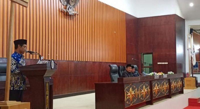 Ketua Fraksi PAN Tafruji saat menyampaikan pandangan umum fraksinya Kamis (7/11/2019).