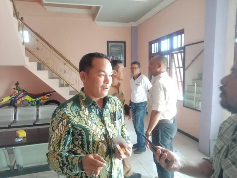 Wakil Ketua II DPRD Mura Rahmanto Muhidin saat memberikan keterangan kepada awak media Senin (11/11/2019).