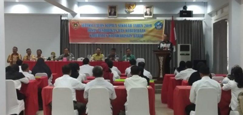 Peserta saat mengikuti seleksi Kepsek yang dilaksanakan Dikbud Kobar Jumat (14/11/2019).