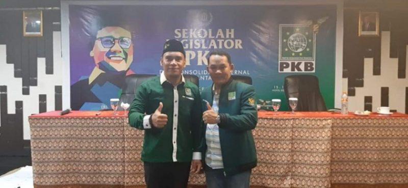 Wakil Ketua II DPRD Mura Rahmanto Muhidin dan anggota DPRD Mura saat poto bersama ketika mengikuti sekolah legislator.