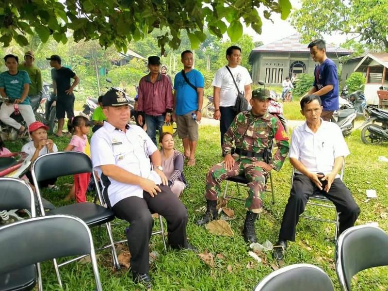 Camat Murung Banjang Jalin saat menghadiri kegiatan masyarakat belum lama ini.