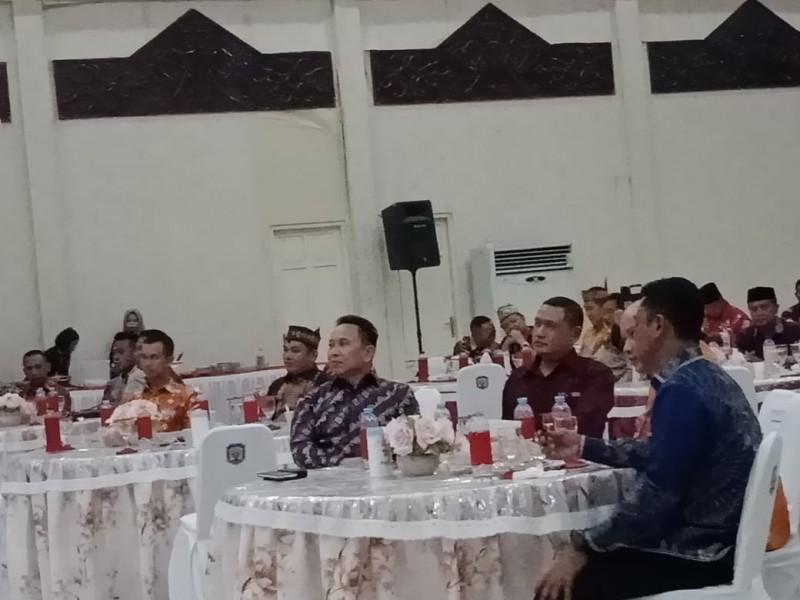 Ketua DPRD Mura Doni saat menghadiri acara kenal pamit Kapolres Mura Selasa (19/11/2019).