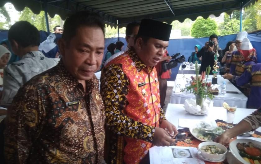 Wabup Ahmadi Riansyah saat menghadiri kegiatan memperingati hari konsumsi ikan Kamis (21/11/2019).