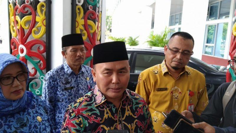 Gubernur Kalteng Sugianto Sabran saat memberikan keterangan kepada awak media Jumat (22/11/2019).