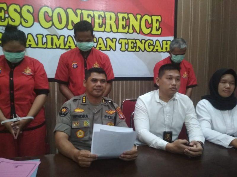 Kabid Humas Polda Kalteng Kombes Pol Hendra Rochmawan saat memberikan keterangan kepada awak media, Senin (25/11/2019).
