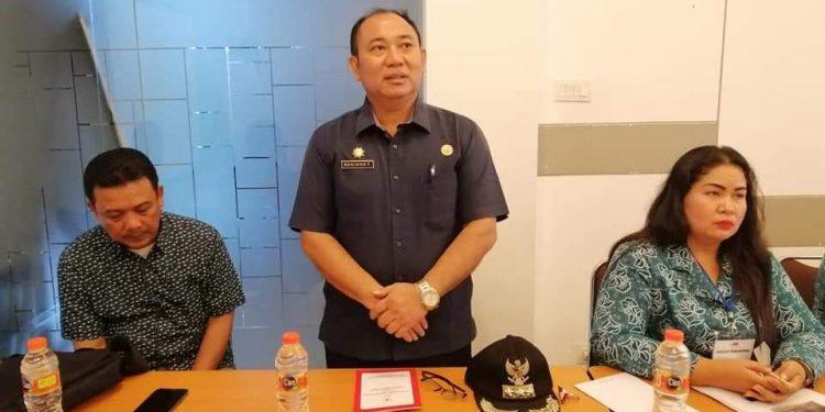Camat Murung Banjang Jalin saat memberikan sambutannya ketika menghadiri kegiatan TP-PKK di Bogor.