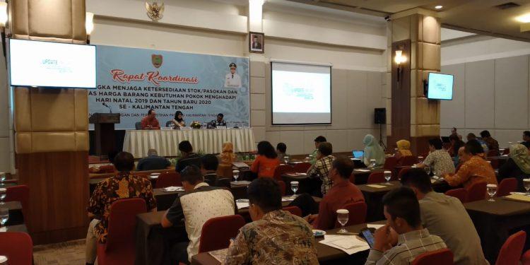 Suasana rapat koordinasi dalam ketersediaan stok bahan pokok (bapok) menghadapi Natal 2019 dan Tahun Baru 2020.