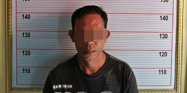 Pelaku saat diamankan di Mapolres Kobar Kamis (28/11/2019).