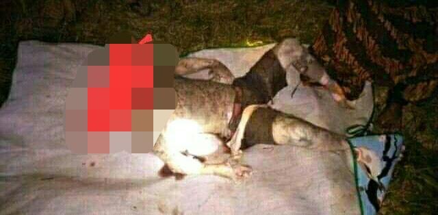 Jasad korban saat dievakuasi warga seusai ditemukan Sabtu (7/12/2019) malam.