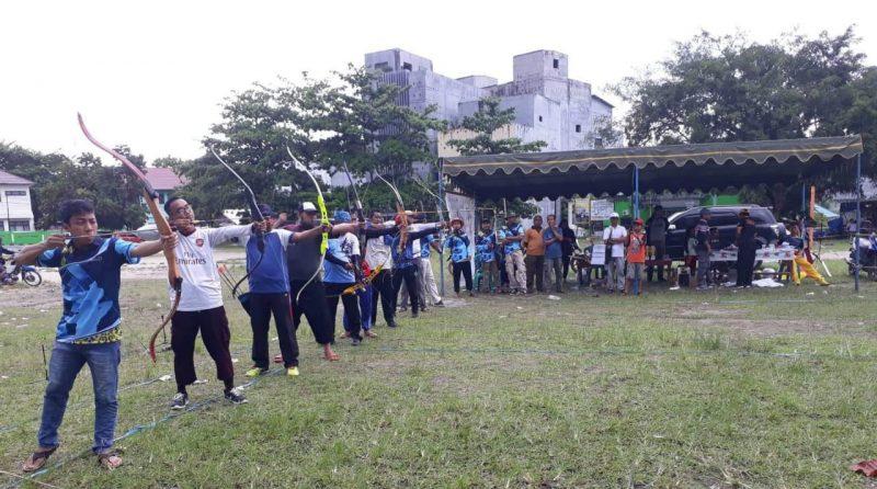 Peserta saat membidik panah ketika mengikuti kegiatan Minggu (1/12/2019).