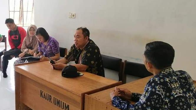 Camat Murung Banjang Jalin saat menghadiri kegiatan monitoring desa baru-baru ini.