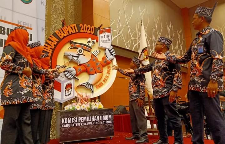 Komisioner KPU Kotim saat melaunching Pilbup Kotim Kamis (5/12/2019).