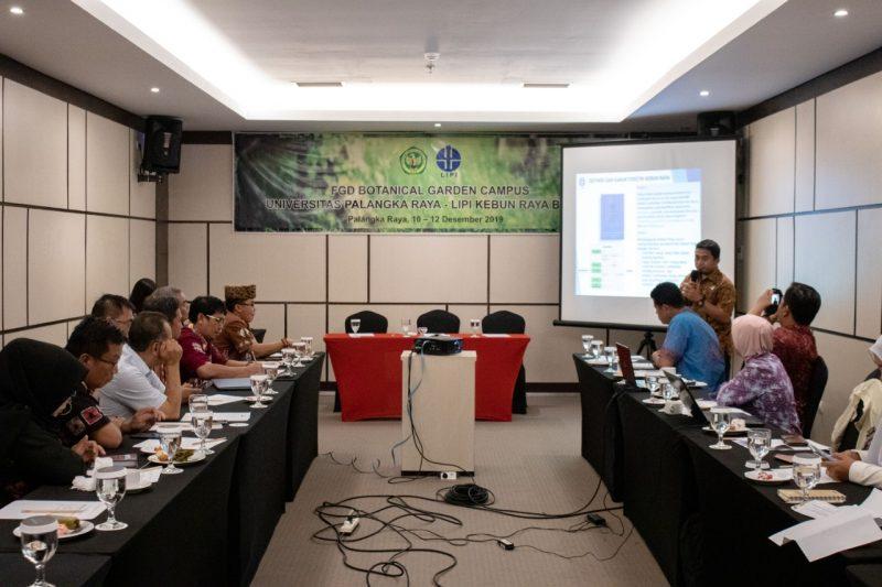 Suasana Focus Grup Discussion (FGD) yang dilaksanakan oleh UPR dan Lembaga Ilmu Pengetahuan Indonesia (LIPI) Kebun Raya Bogor.