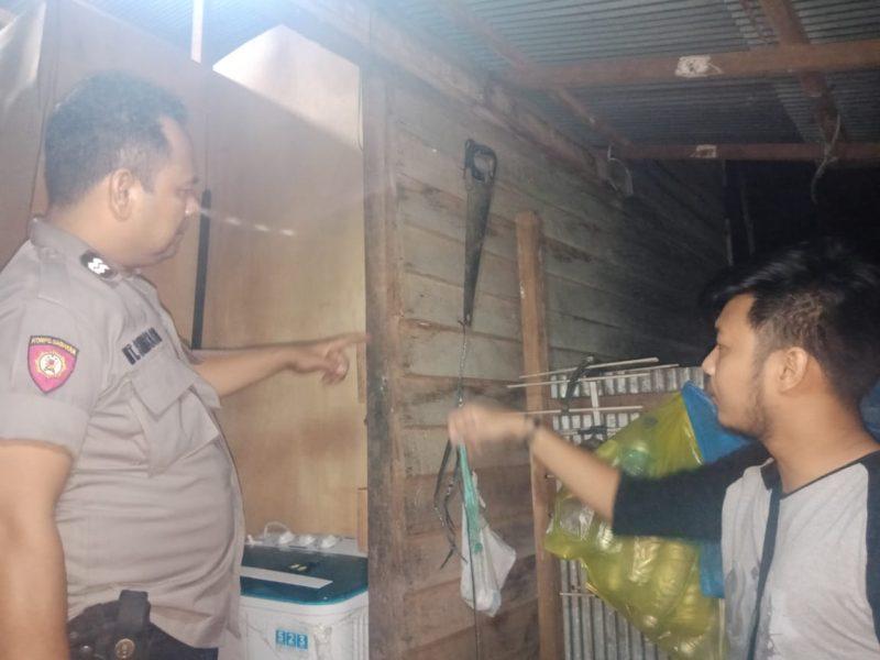 Anggota Polresta Palangka Raya saat berada di TKP melakukan penyelidikan Kamis (12/12/2019) malam.
