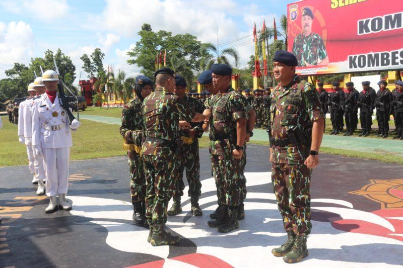 Kapolda Kalteng Irjen Pol Salahuddin saat memimpin sertijab Dansat Brimob Polda Kalteng Selasa (17/12/2019).