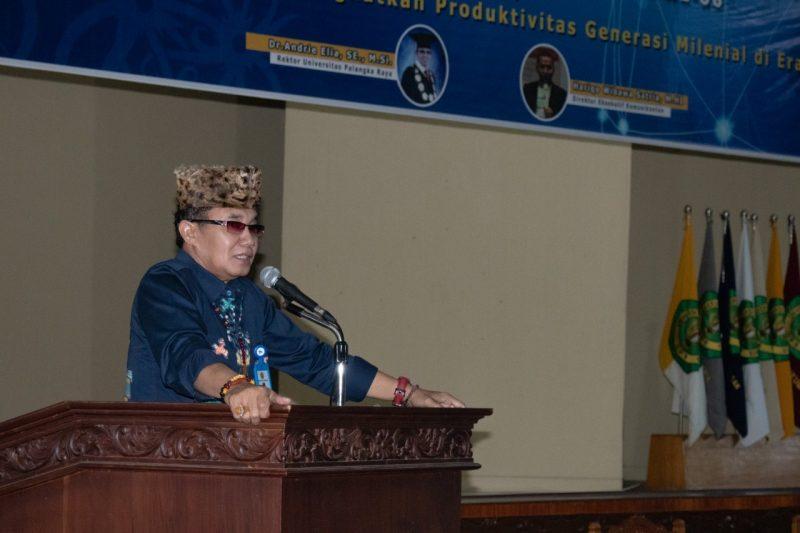 Rektor UPR Andrie Elia saat menyampaikan sambutannya.