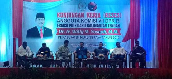Ketua DPRD Mura Doni dan Wakil Ketua II Rahmanto serta Bupati Mura Pedie saat menghadiri reses anggota DPR RI Willy M Yopseph Kamis (26/12/2019).