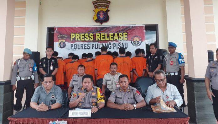 Kapolres Pulpis AKBP Siswo Yuwono Bima Putra Mada,saat memberikan keterangan kepada awak media ketika menggelar press release Selasa (31/12/2019).