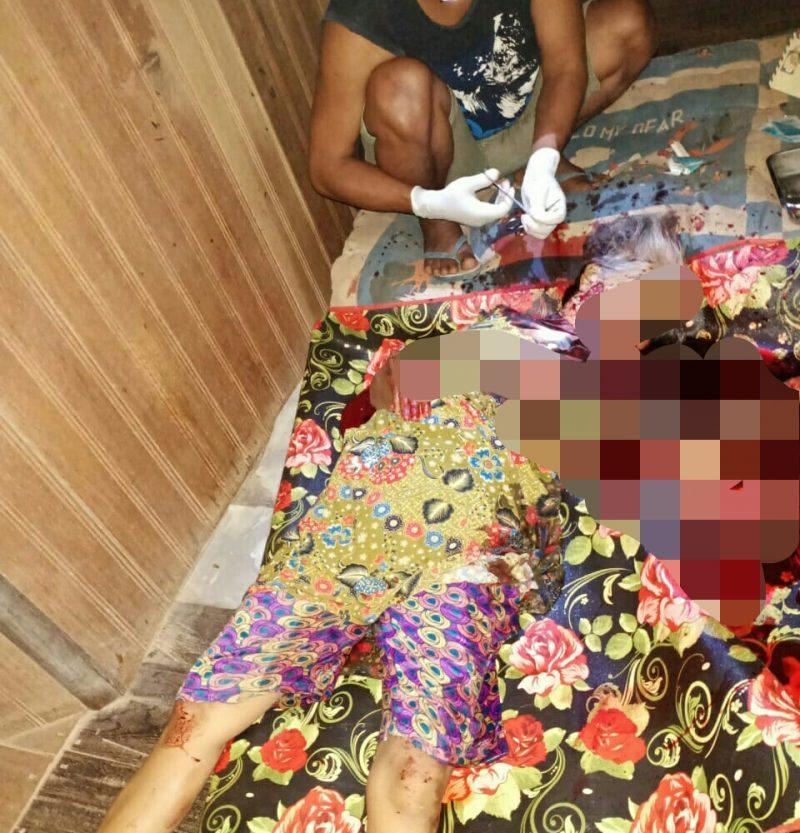 Korban saat tergeletak bersimbah darah di rumahnya Rabu (8/1/2020) dini hari.