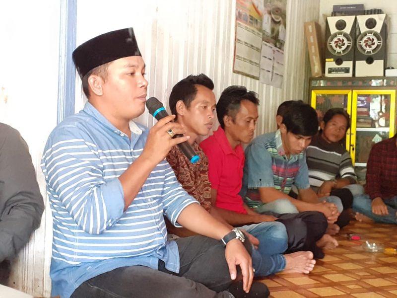 Wakil Ketua II DPRD Mura Rahmanto Muhidin saat memberikan sambutannya ketika menggelar reses ke salah satu desa baru-baru ini.