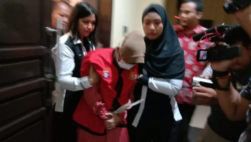 Oknum pelaku saat diamankan di Polda Kalteng Selasa (4/2/2020).