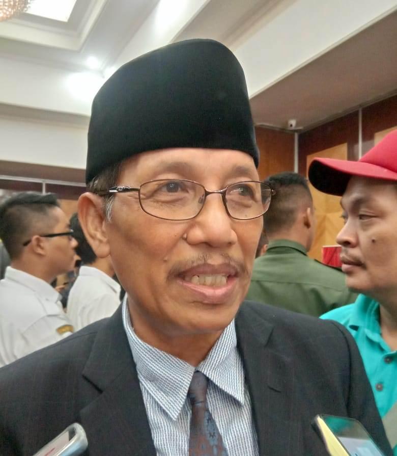 Kepala Badan Kesbangpol Kalteng Agus Pramono saat memberikan keterangan kepada awak media.