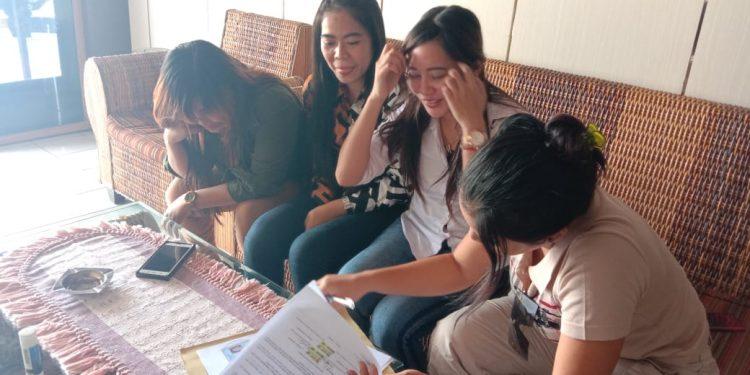 Empat biduan saat dimedia di Polres Katingan dan membuat surat pernnyataan, Rabu (12/2/2020).