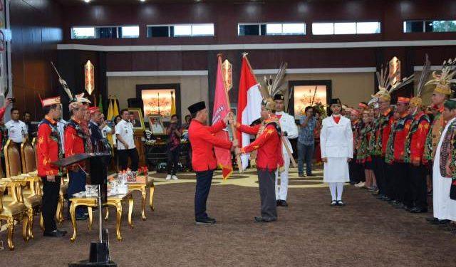 Gubernur Kalteng Sugianto Sabran saat mengukuhkan pengurus KWOD Kalteng Rabu (12/2/2020).