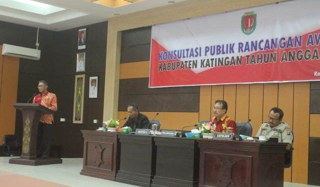 Asisten II Setda Katingan, Ir.Ahmad Rubama MT saat menyampaikan sambutannya Kamis (20/2/2020).