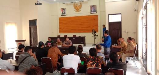 Mediasi saat digelar di Kecamatan Arsel Senin (24/2/2020).