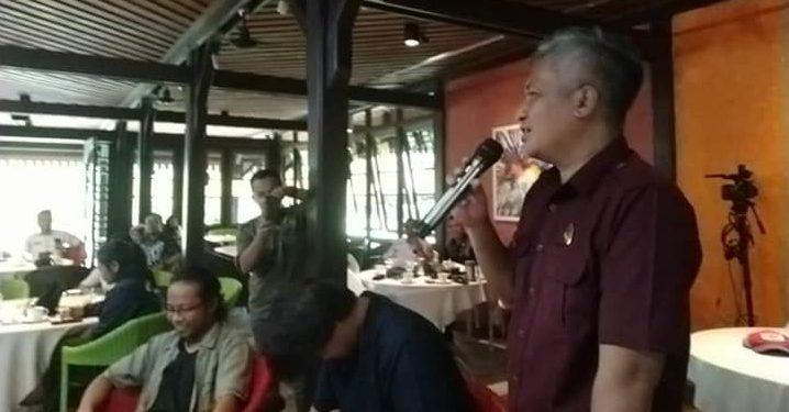 Anggota DPRD Kobar Ery Eryansyah saat menyampaikan sambutannya.