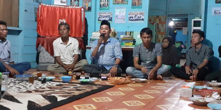 Wakil Ketua II DPRD Murung Raya saat bertemu dengan masyarakat di pedesaan Kamis (27/2/2020).