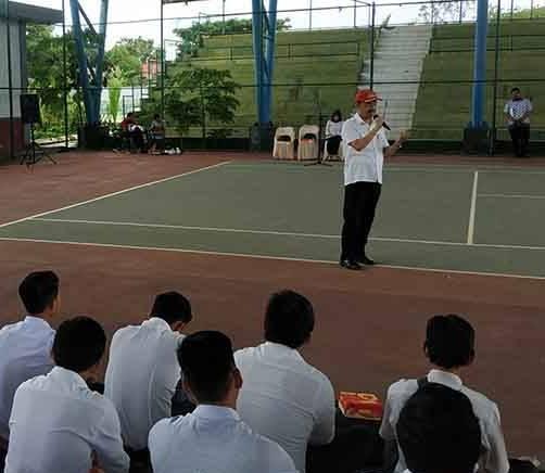 Bupati Seruyan Yulhaidir saat memberikan arahan kepada peserta CPNS.