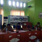 Juru Bicara Penanganan Covid-19 Kabupaten Barut, Siswandoyo, saat jumpa pers, Senin (30/3/2020). Foto : eni