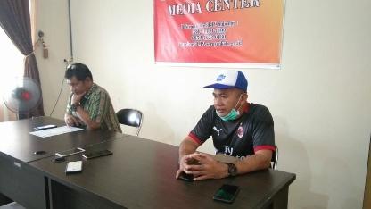 Juru Bicara Covid-19 Kabupaten Seruyan, Mahdiniansyah, saat memberikan keterangan pers, Jumat (27/3/2020). Foto : rob