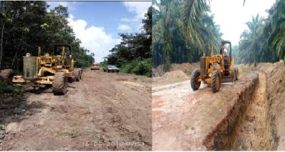 Alat berat PT Mustika Sembuluh saat melakukan perbaikan ruas jalan menuju Desa Tanah Putih tahun 2016 hingga 2019 lalu.