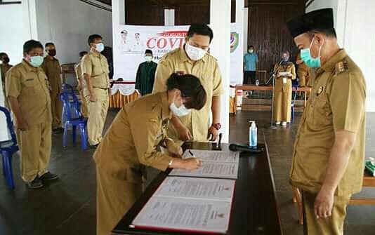 DILANTIK -- Pelantikan dan pengambilan Sumpah/Janji Jabatan struktural dipimpin Bupati Seruyan Yulhaidir, Rabu (8/4/2020). Foto : Ro