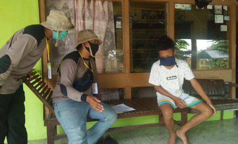 Pihak Kelurahan di Kecamatan Kumai diminta mendata pendatang dan pemudik, Kamis (23/4/2020). Foto Yus